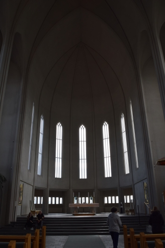 A very plain interior for such a grand church. A refreshing change from the almost garish luxury of European churches.
