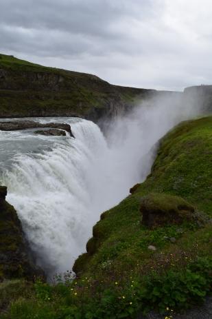 A 22 m drop into the river below.