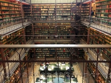 The library in the Rijksmuseum.
